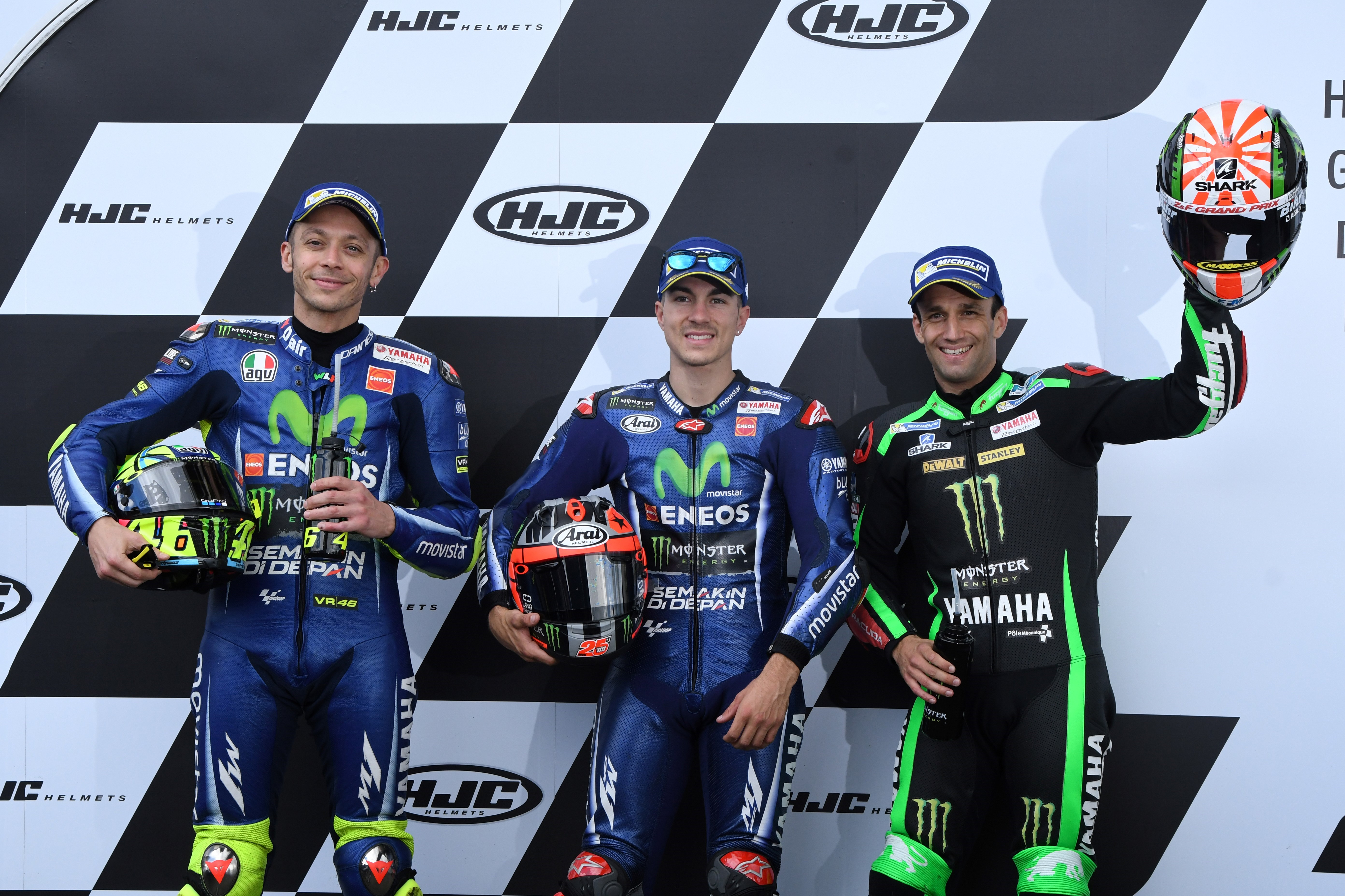 Valentino Rossi, Maverick Viñales (Yamaha Factory) et Johann Zarco (Yamaha Tech3) après la qualification du Grand Prix de France 2017