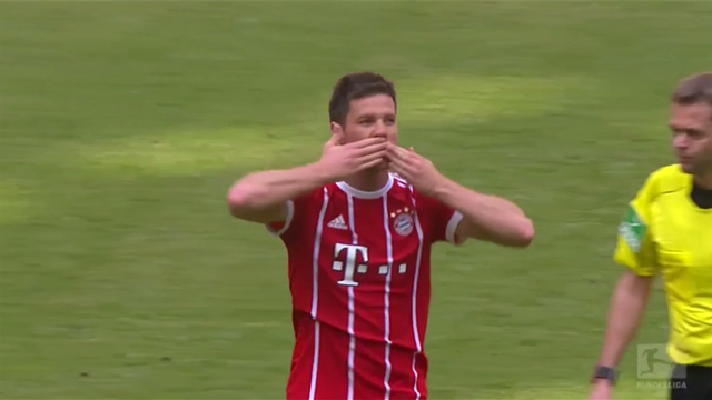 Pour leurs adieux, Xabi Alonso et Lahm ont reçu une standing ovation de l'Allianz Arena