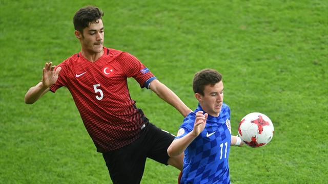 Ozan Muhammed Kabak, U-17'nin yıldızları arasında