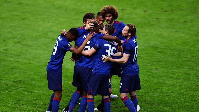 Manchester United celebrate Paul Pogba's opener