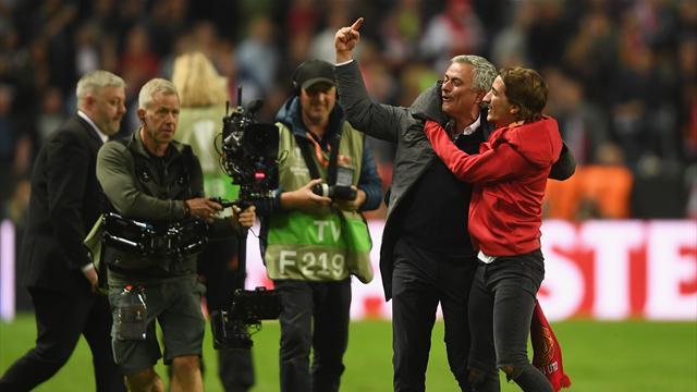 """Mourinho: """"Ci sono tanti poeti nel calcio ma i poeti non vincono i titoli"""""""