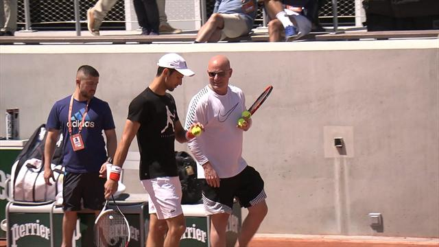 Nadal, Djokovic et Muguruza ont tapé leurs premières balles à Roland