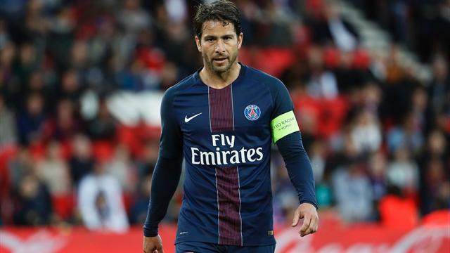 Защитник ПСЖ Максвелл стал самым титулованным игроком вистории клубного футбола