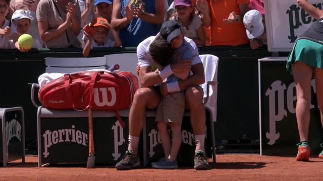 Roland-Garros: Djokovic franchit l'écueil Sousa