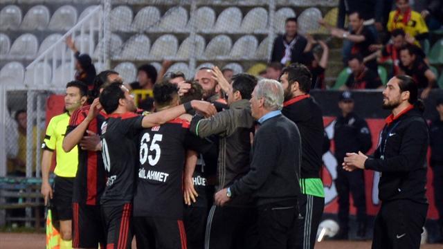 Eskişehirspor, play-off'ta finale kalan ilk takım oldu
