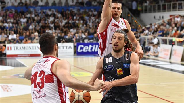 Basket - Trento si rialza: la finalissima è distante soltanto una vittoria