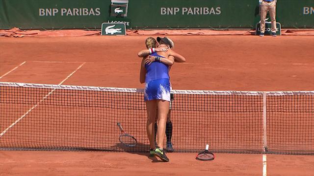 Deux jeux décisifs et une longue accolade : Kvitova n'a pas résisté à Mattek-Sands