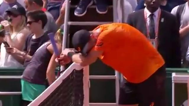 Pleurs de Johnson et raquette fracassée de Coric, grand écart d'émotions en fin de match