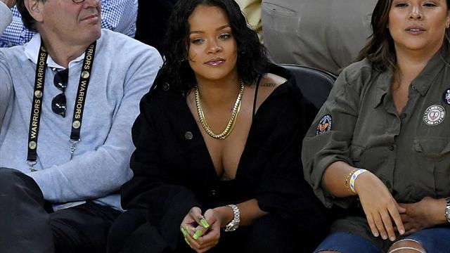 Hingucker! Rihanna stiehlt NBA-Stars die Show