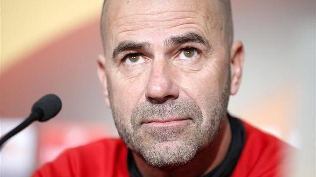 Peter Bosz, nuevo entrenador de Borussia Dortmund