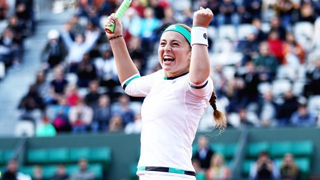 Teenager Ostapenko stuns Wozniacki to reach last four
