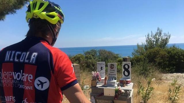 Тренер «Кротоне» сдержал обещание и проехал всю Италию с юга на север на велосипеде