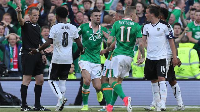 Регбийный эпизод из матча Ирландия – Австрия, в котором Юнузович влетел в человека-стену