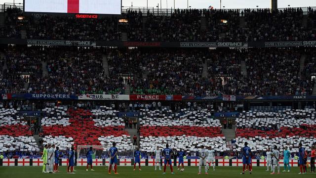 Drapeaux, bannière et «Don't look back in anger» : un Stade de France plus anglais que jamais