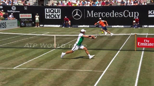 ATP Stuttgart, Hanfmann-Zverev: Con solvencia y autoridad 6-7 y 2-6