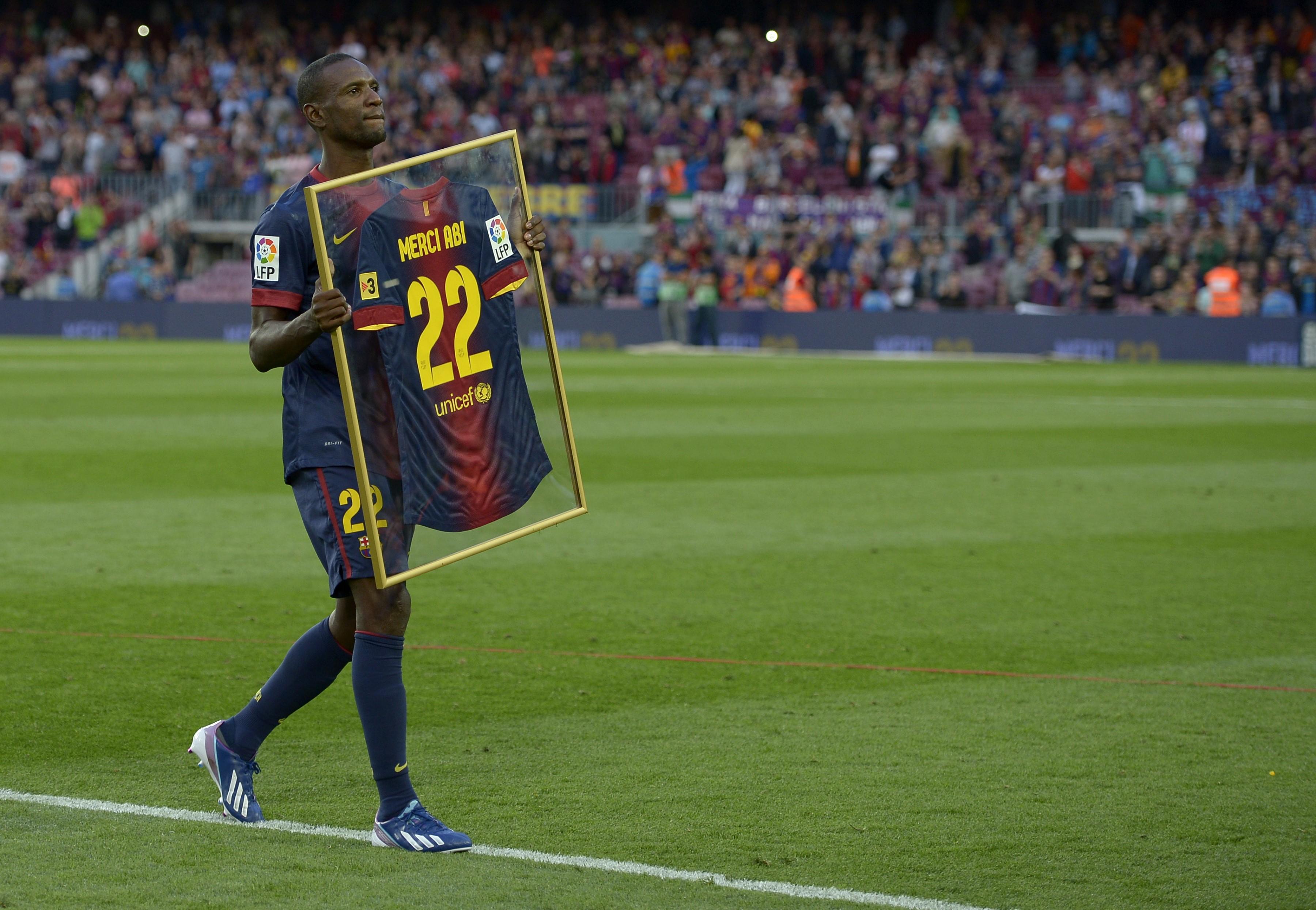 Abidal es homenajeado en Barcelona