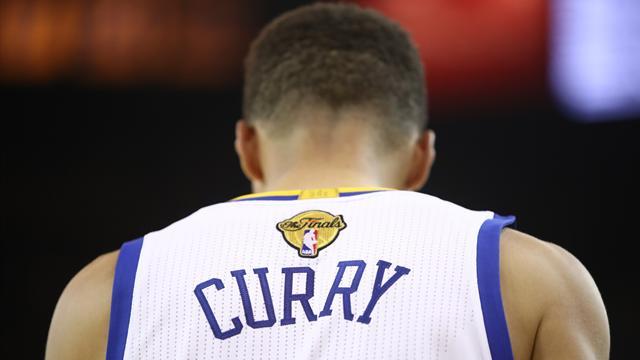 Curry ne veut pas aller à la Maison Blanche, Trump lui répond qu'il n'est pas le bienvenu