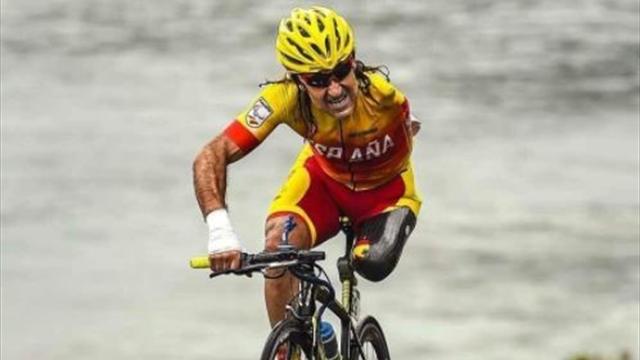 Consternación por el atropello del ciclista paralímpico Juanjo Méndez mientras entrenaba