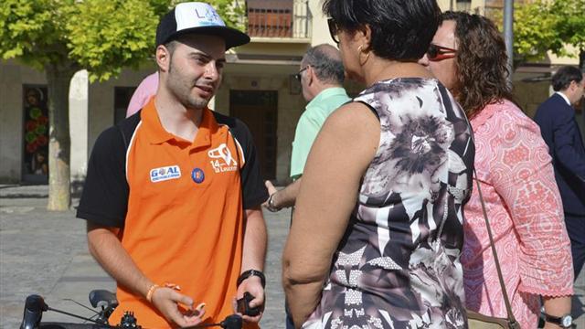 El ciclista asturiano Daniel Carreño anima a donar médula y salvar vidas