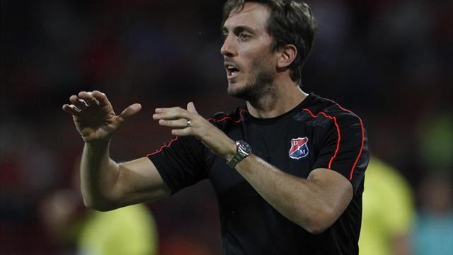 Luis Zubeldía fue ratificado como nuevo entrenador del Deportivo Alavés