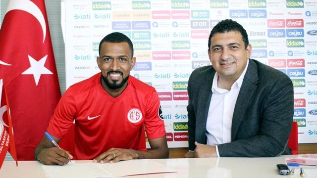 Maicon resmen Antalyaspor'da