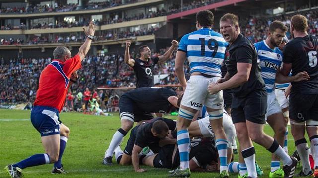 Inglaterra volvió a derrotar a los Pumas argentinos y se quedó con la serie