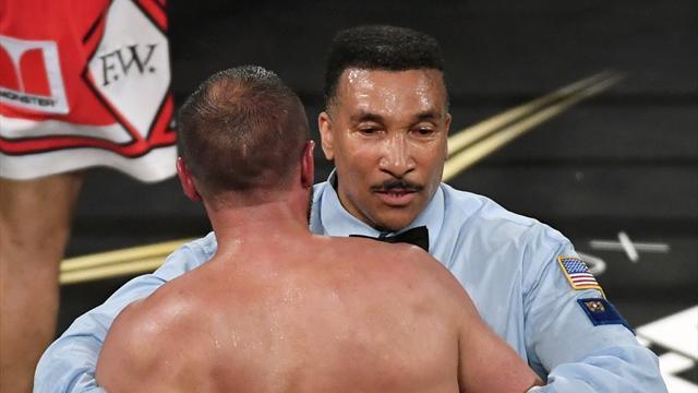 Судья признал свою ошибку вовремя боя Ковалев-Уорд