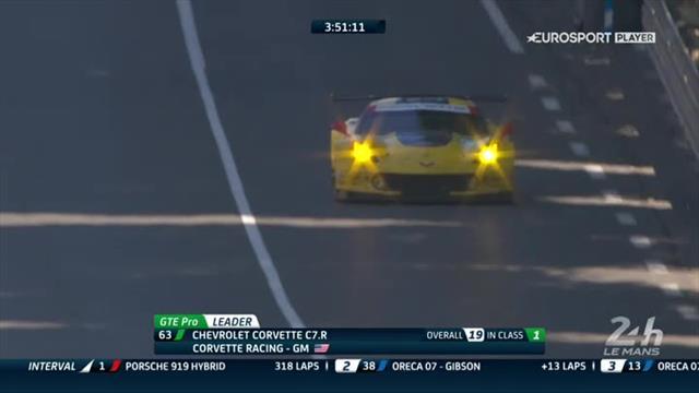 Colpo di scena alla Le Mans: si ferma la Porsche #1 in testa alla corsa
