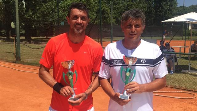 Maldini va disputer un tournoi de... tennis