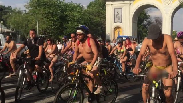 """Freizügiger Protest in Mexiko: """"Nackt-Radeln"""" gegen Umweltverschmutzung"""
