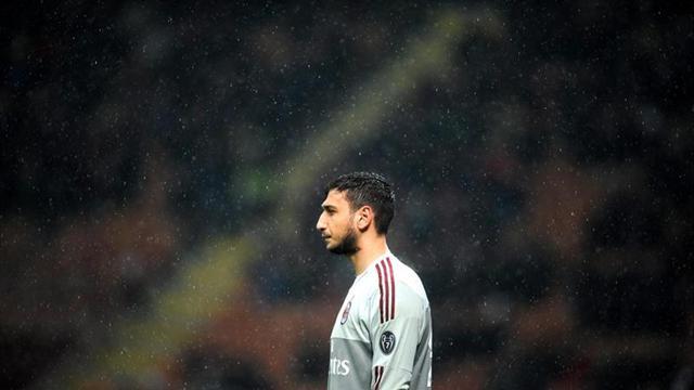 """Raiola: """"El Milan amenazó a Donnarumma con truncarle la carrera"""""""