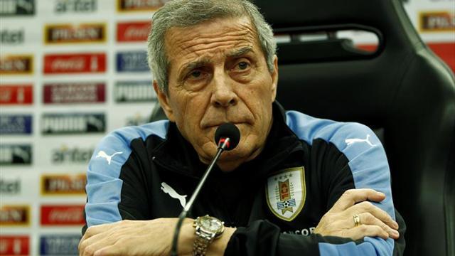 Tabárez respalda a Coito para que siga al frente de la sub'20 de Uruguay