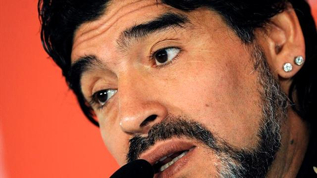 Maradona felicita al Boca por el título de la liga argentina