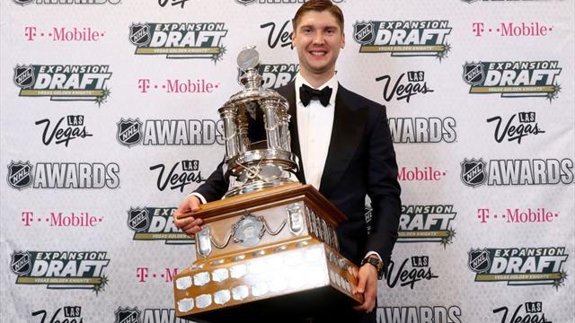 Сергея Бобровского снова признали лучшим вратарём сезона вНХЛ