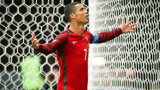 Portugal, con gol de Cristiano, vence a Nueva Zelanda y pasa primera de grupo (0-4)