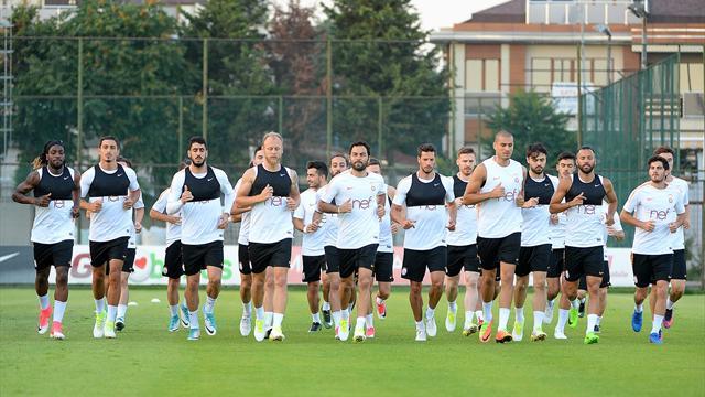 Galatasaray kafilesi, Slovakya'ya geldi