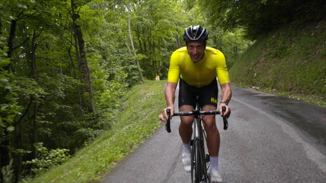 Kittel sneaks Tour stage win