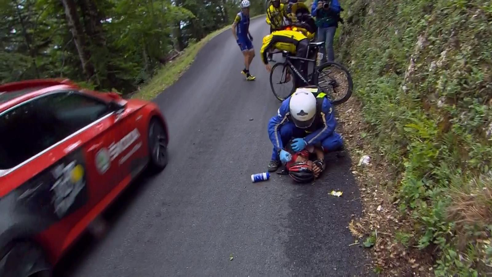 Video tour de france richie porte 39 s terrible crash with for Richie porte crash