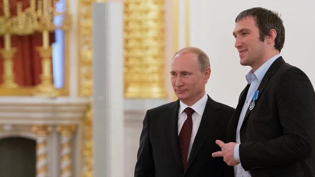 Песков поведал , что Путин подарил насвадьбу Овечкину иШубской