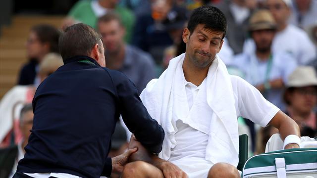 Vaincu par son mal, Djokovic envisage «une pause»… voire une opération