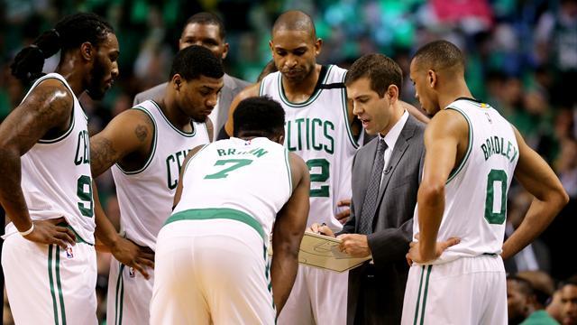 La NBA cambia regolamento: meno timeout per rendere le partite più fluide