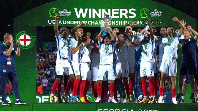 Шикарный штрафной, глупейший автогол, удаление и чемпионский гол англичан в финале Евро U-19