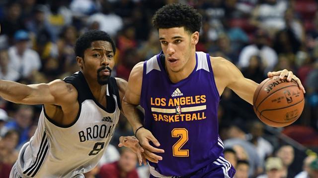 Lonzo Ball mette le scarpe di Curry: Lakers in semifinale in Summer League