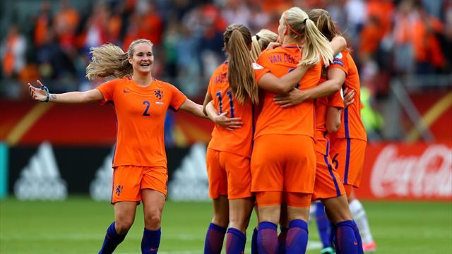 Голландки обыграли Норвегию в матче-открытии Евро
