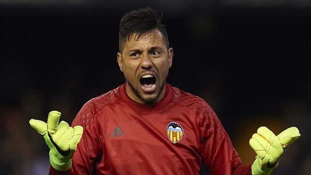 «Валенсия» проанонсировала продажу Диего Алвеса во «Фламенго»