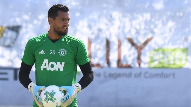 Sergio Romero signs new Manchester United contract