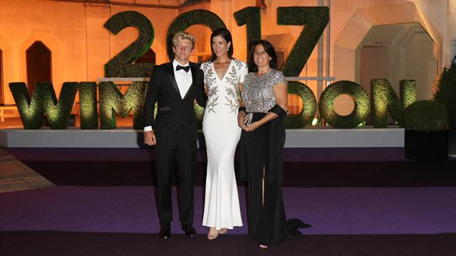 Роскошная Мугуруса, элегантный Федерер и другие фото с чемпионского ужина Уимблдона