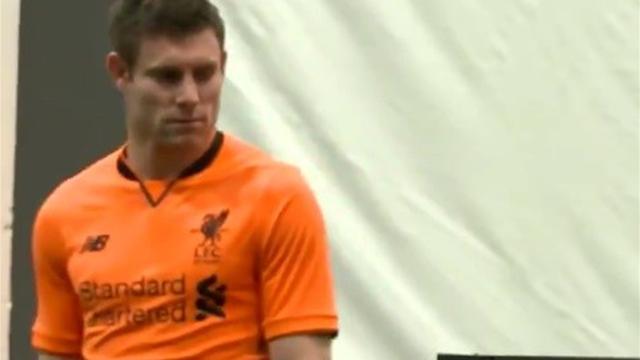 «Ливерпуль» представил комплект формы оранжевого цвета