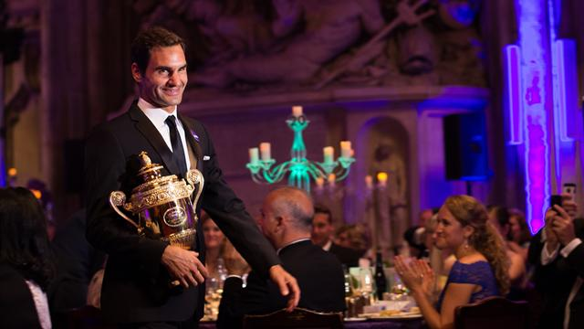 """Federer: """"Ho festeggiato fino alle 5 del mattino, non ricordo molto"""""""