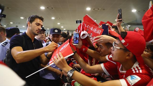 Kreischalarm in Shanghai: Bayern-Stars begeistert empfangen